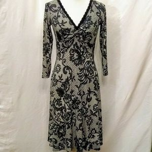 Black and white lace print dress